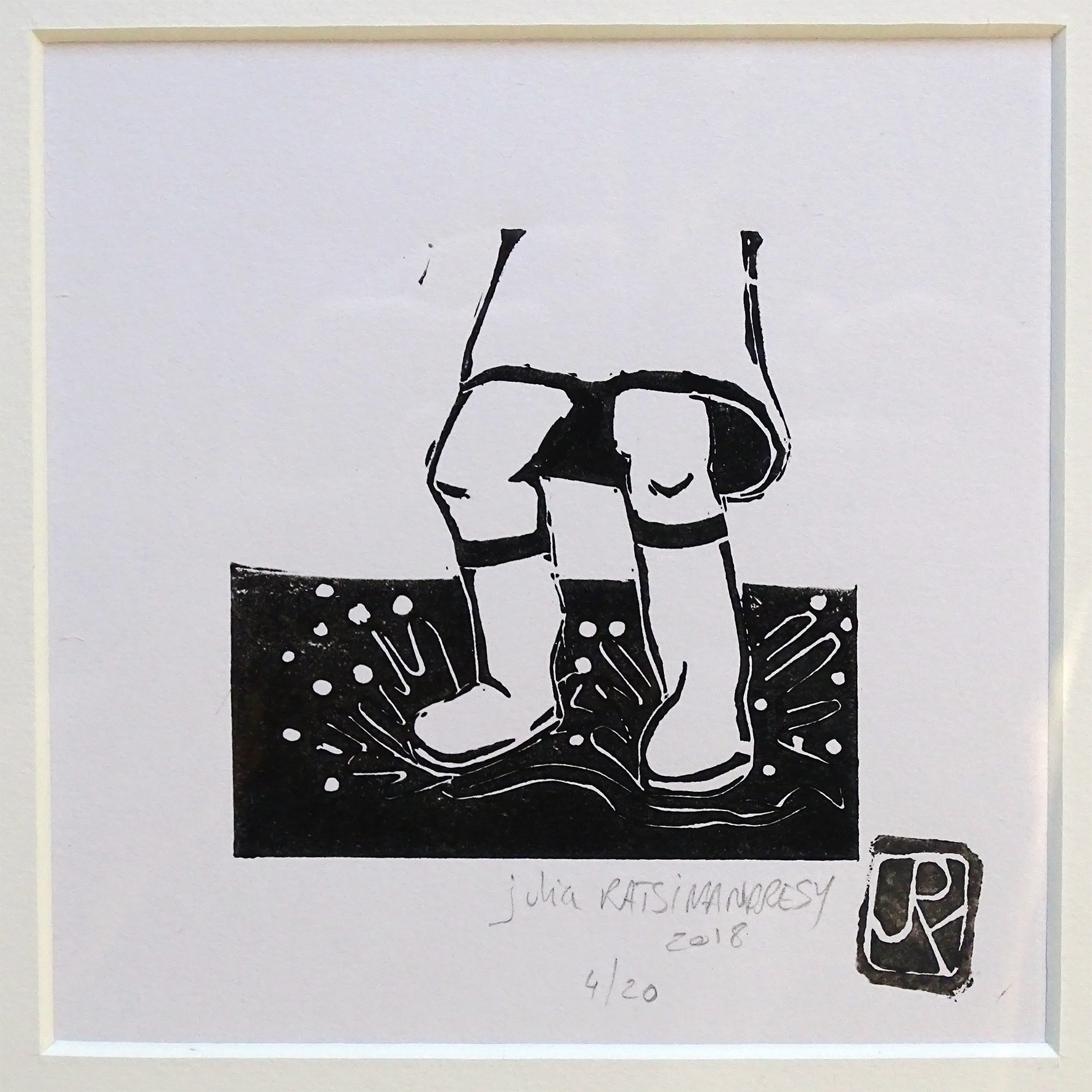 """""""Vive la pluie I"""" ©Julia Ratsimandresy / Linogravure encre noire sur papier, tirage 4/20 signée / 50€ hors fdp"""