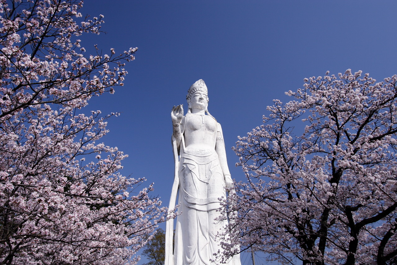 韮崎市・平和観音