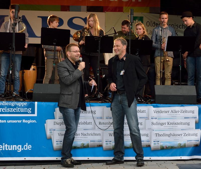 Roger Lindhorst im Gespräch mit Michael Spöring, Organisator von Jugend Jazzt; Bild: S. Bothmer