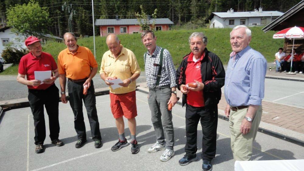 Unsere Herrenmannschaft - Foto: EV-Hochfilzen