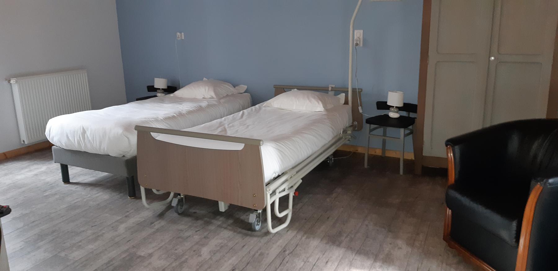 La chambre Alsace équipée d'un lit médical