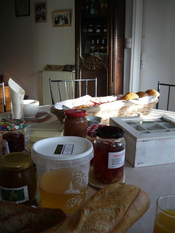Confitures maisons et produits régionaux vous seront proposés au petit-déjeuner