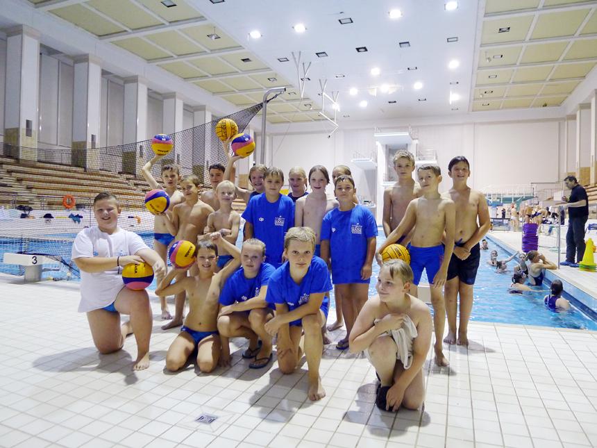 Rostocks Nachwuchs-Wasserballer in der Wettkampfvorbereitung