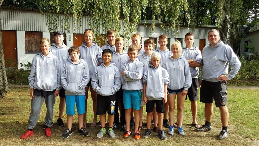 Die Kanupolo-Teams des WSW Rostock beim Jochem Heinzer Gedächtnis Turnier 2016