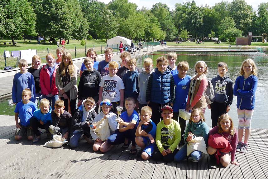 Die Wasserballer des WSW Rostock beim 21. KIWI-CUP in Hamburg