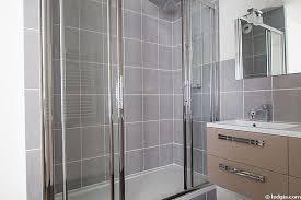 Vous souhaitez la rénovation de votre salle de bains à Grenoble  ? Découvrez les bonnes questions à se poser avant le démarrage de vos travaux :