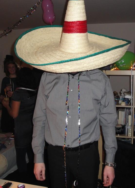 ... Chez Martin, c'est (Mexican) chapeaux party !