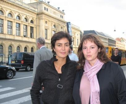 Yaiza et Célia dans la ville (si, il fait beau !)