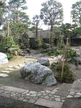 H医院の庭の写真1