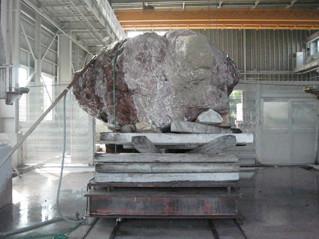 石材加工の様子