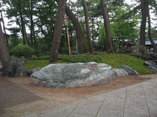 念仏寺 北海道産青石