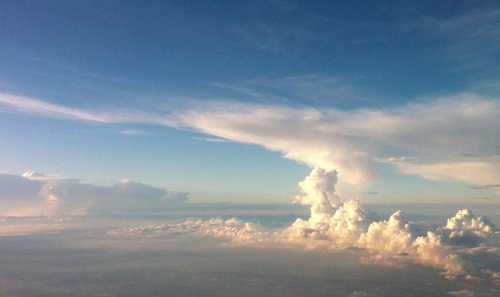 上昇気流でモコモコと涌き上がってくる雲。