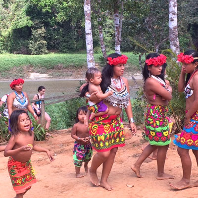 Les beaux tissus des Emberas
