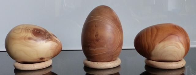 Deko Holzeier aus, Olive 8,5 x 5,9 cm; Goldregen 9 x 6,3 cm; Olive 7,8 x 5,7 cm