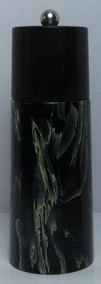 Pfeffermühle, schwarzes Zweikomponenten Harz mit eingegossenen Maisblättern / Ebenholz ca. 14,5 cm