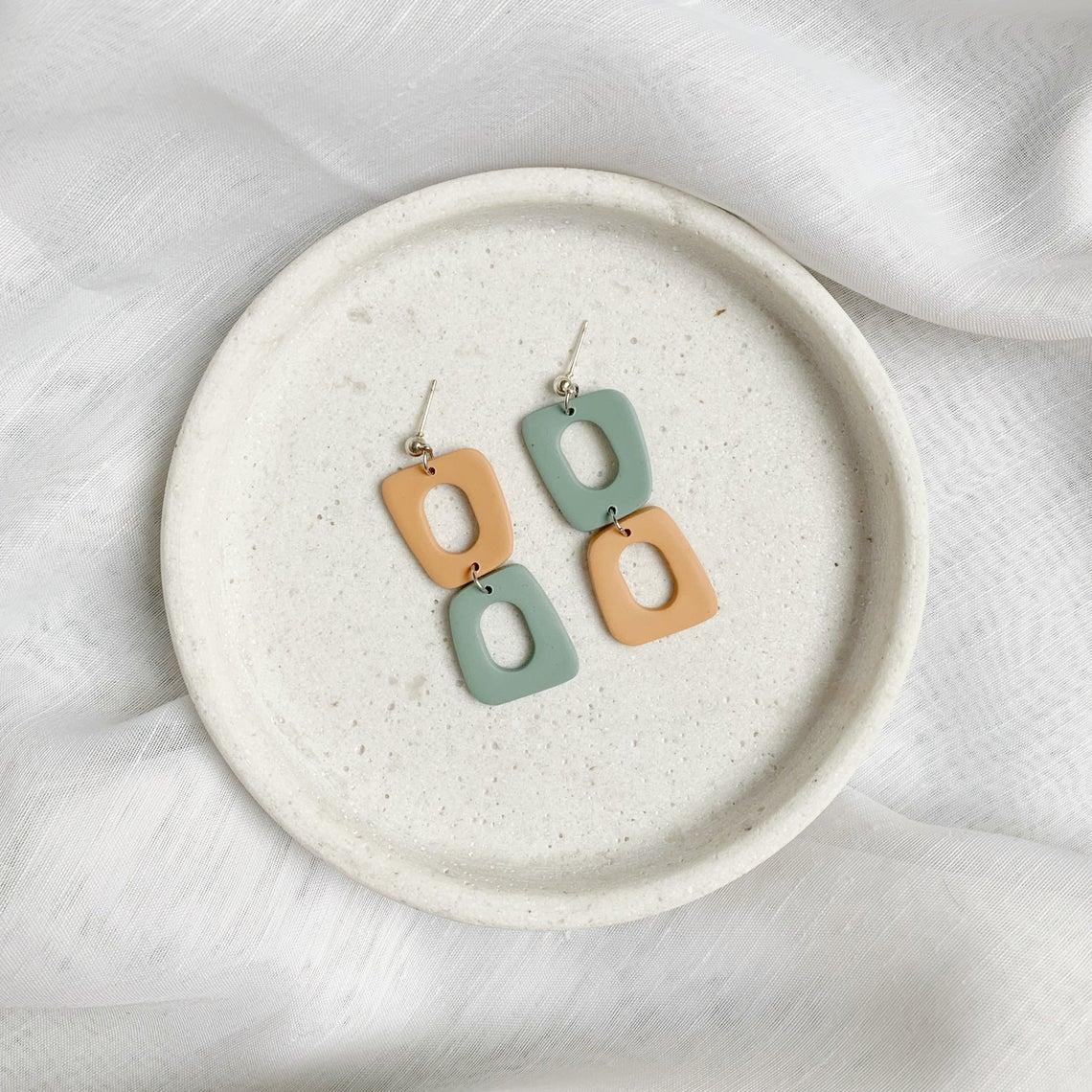 Boucle d'oreille d'argile polymère - Mix & Match - Orange délavé et sauge