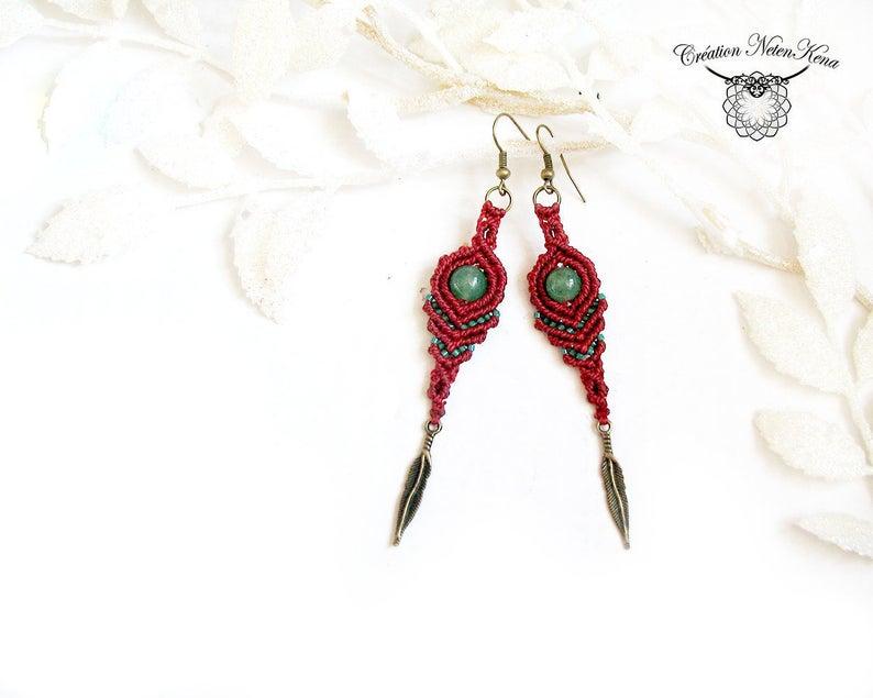 Boucles d'oreilles en macramé avec plumes