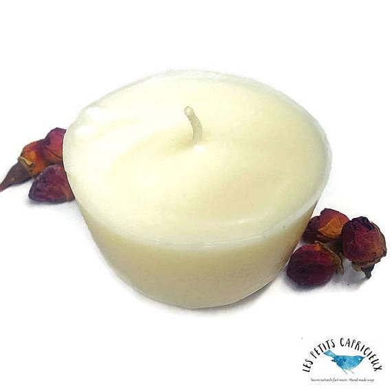 Bougie de massage vegan aux huiles essentielles de ylang-ylang et de gingembre
