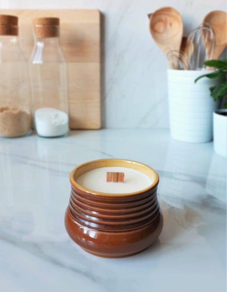 Bougie de soya pot brun strié vintage