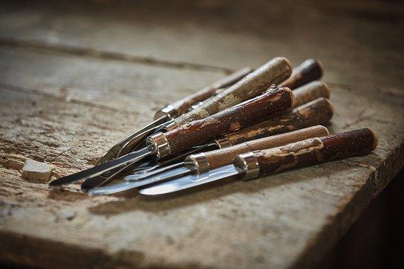 Mouton Noir, Couteau à tartiner, Ébénisterie à vocation écoresponsable