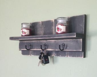 Etagère en bois - Cliquez sur la photo pour en savoir plus !