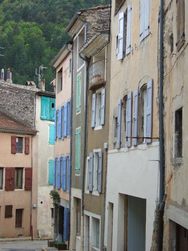 Franse huizen met luiken