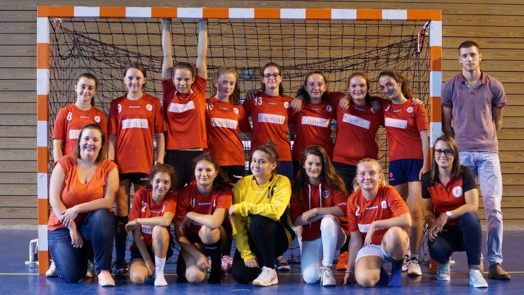 L'équipe des -15 ans filles de la JA Isle Handball pour la saison 2017-2018