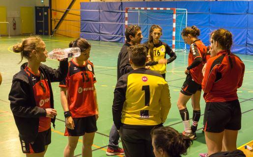 Temps mort pour les prenatF de la JA Isle Handball