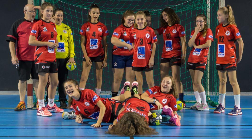 L'équipe féminine des -15 ans de la JA Isle Handball.