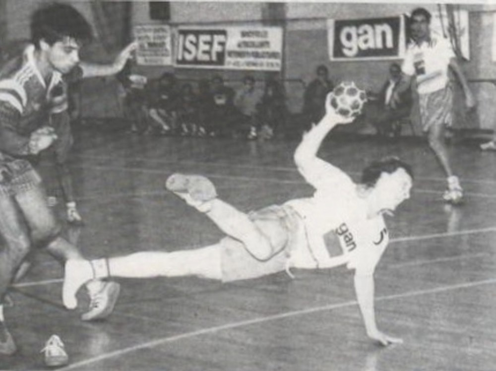 Photo archive JA Isle Handball - tir plongeon