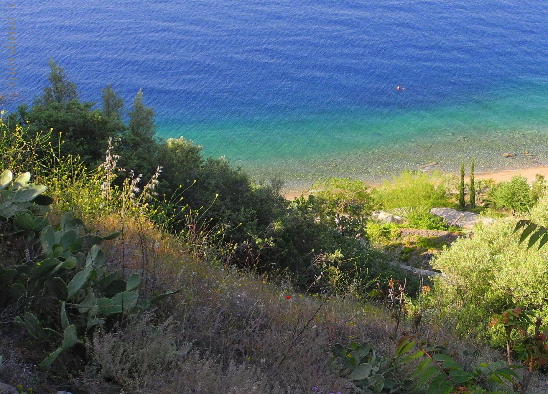 Türkisblaues Meer bei Loutra Edipsou