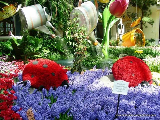 Marienkäfer aus Blumen