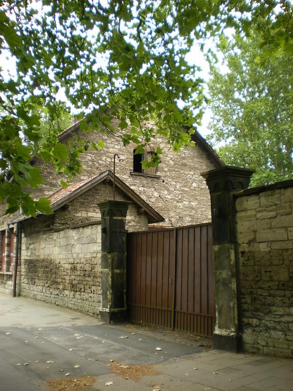 altes Gebäude der Reiterstaffel