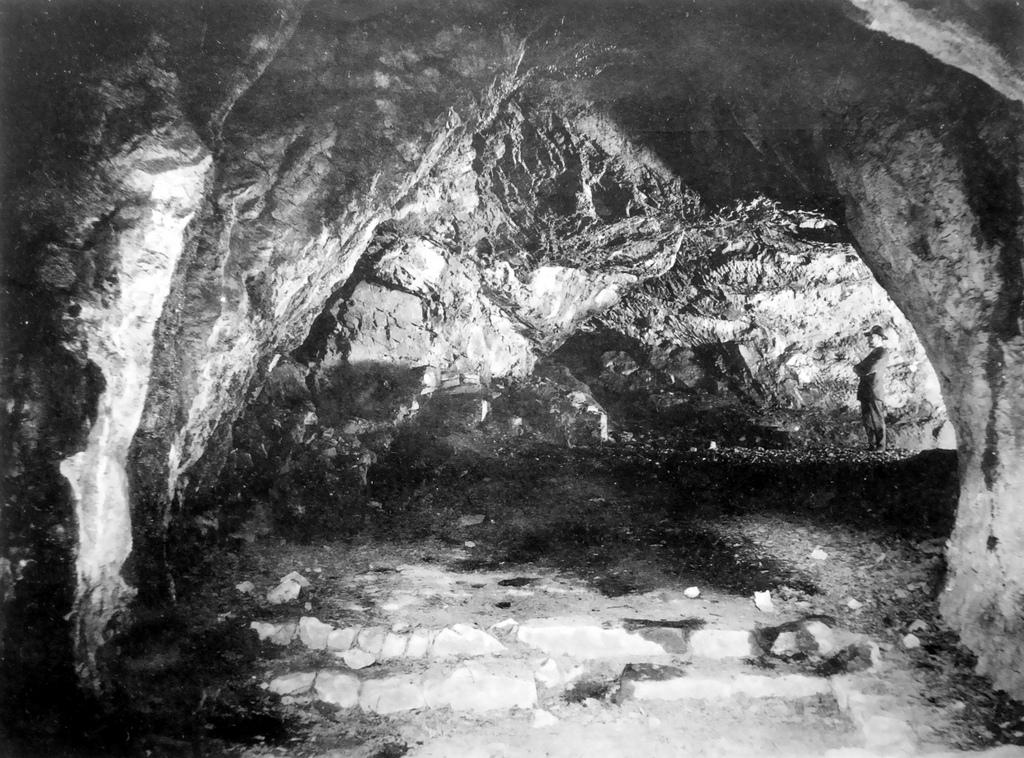 Die Höhle um 1900