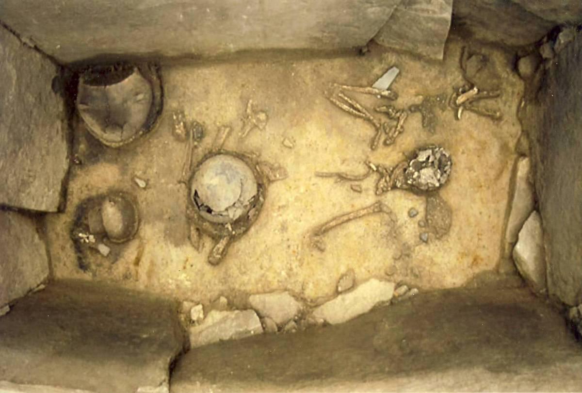 So sieht Tage später das geputzte Grab aus