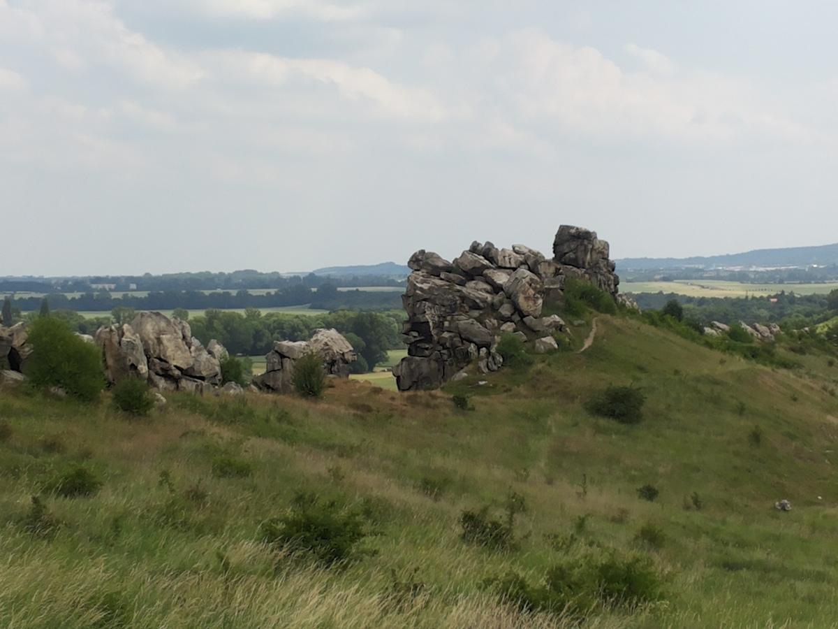 Ansicht der Mittelsteine der Teufelsmauer bei Weddersleben