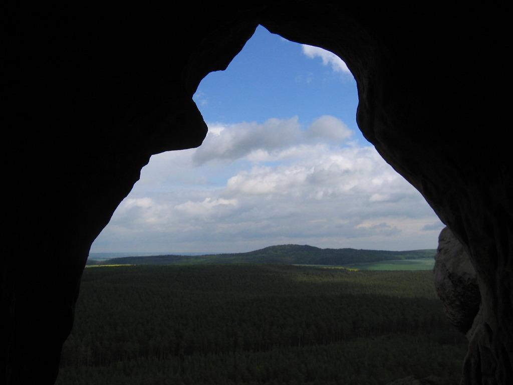 Blick von dort zum Hoppelberg am Tage (Foto O. Klatt)