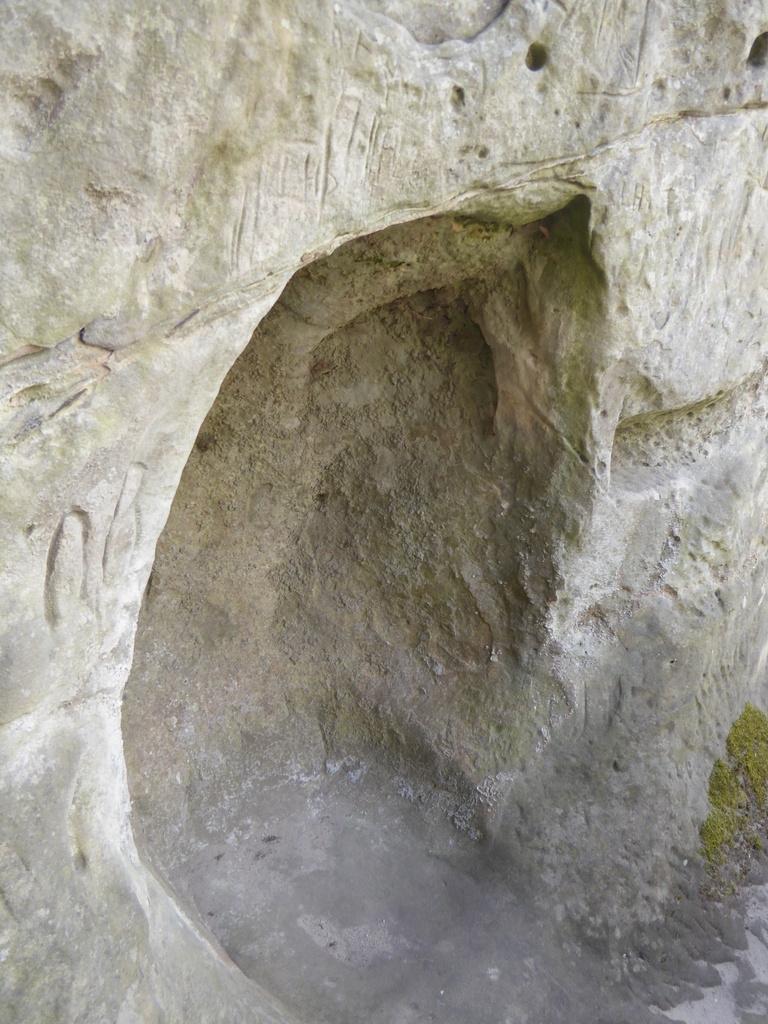 Das große Summloch  am Regenstein (am Teufelsloch)