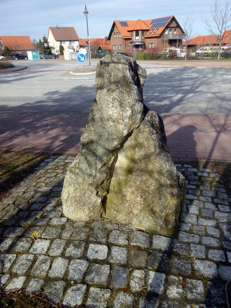 Der Stein vom Steinkreis aus gesehen
