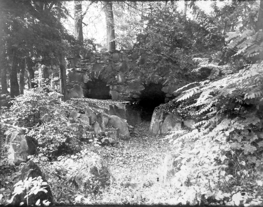 Der Eingang zur Höhle um 1900