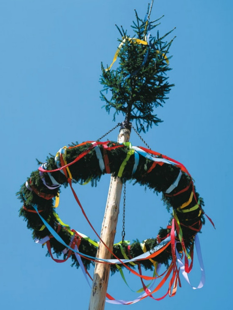 1. Der allseits bekannte Maibaum