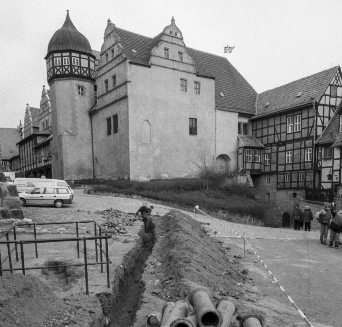 Die  offene Grablege vor dem Kryptaausgang, Foto Jürgen Meusel, 1995