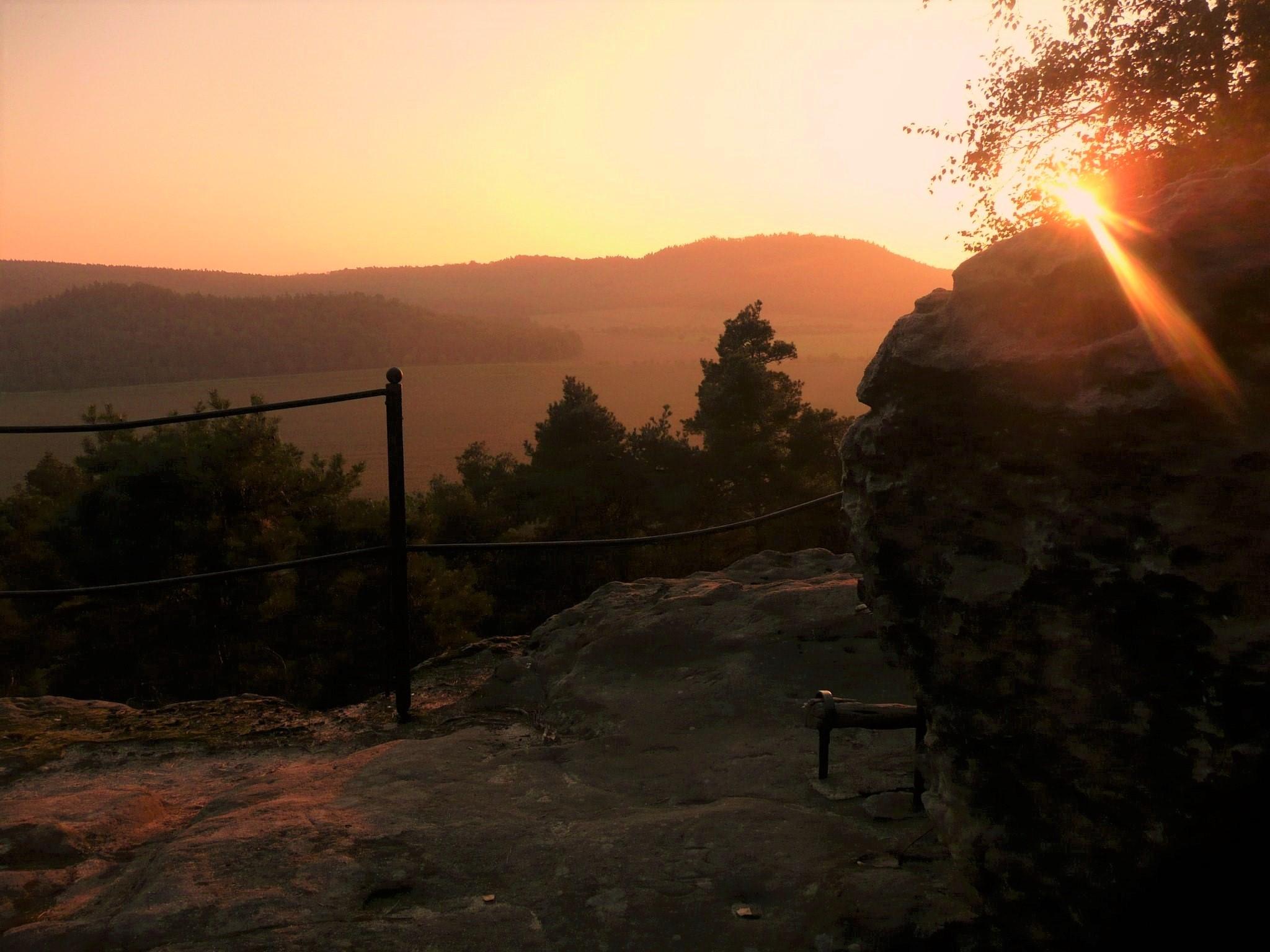 Blick von der Fuchsklippe zum Hoppelberg bei diesem Licht (Foto 2 H. Zeitzmann)