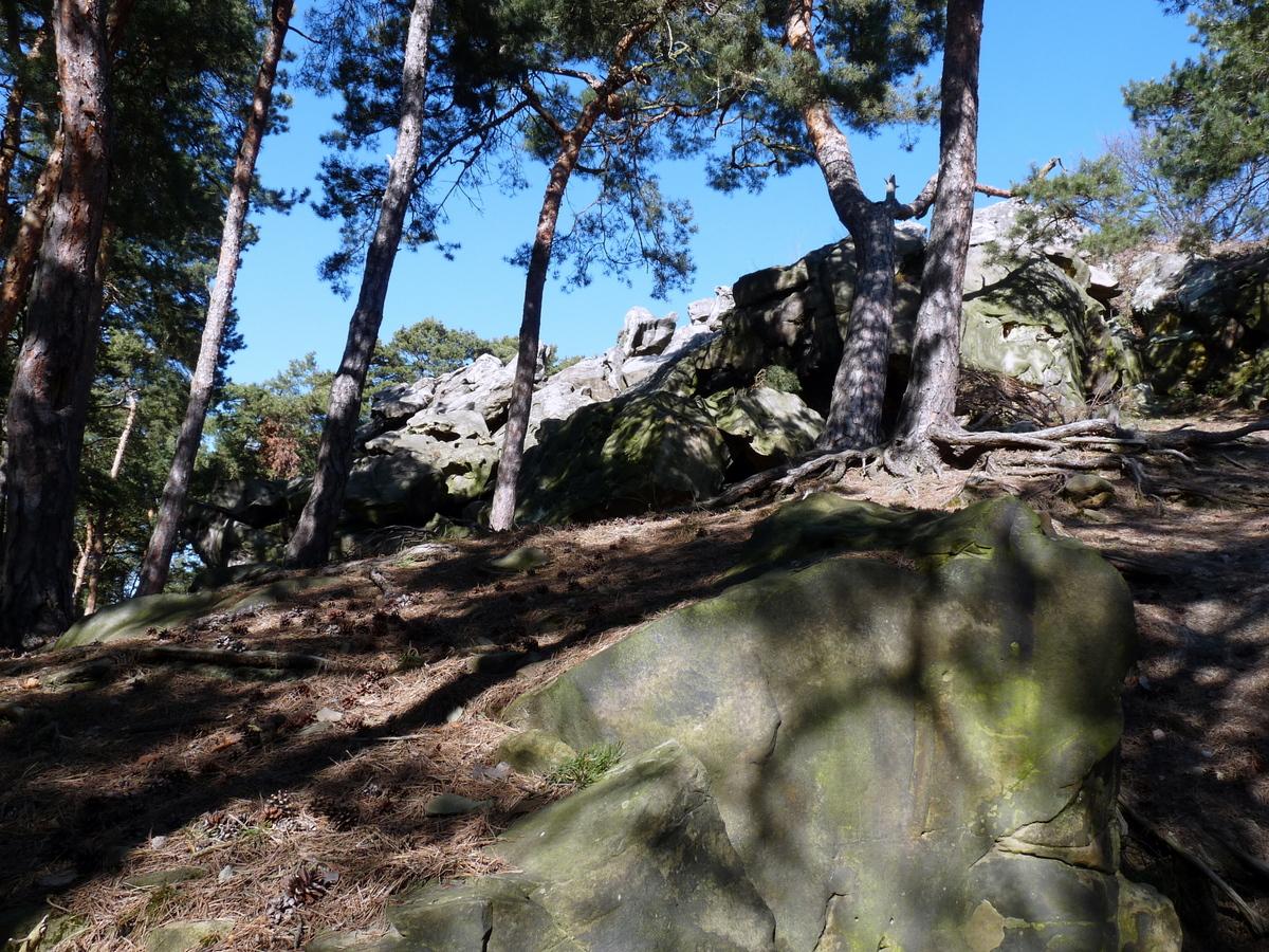 Die Lage der Klippe oben auf dem Berg