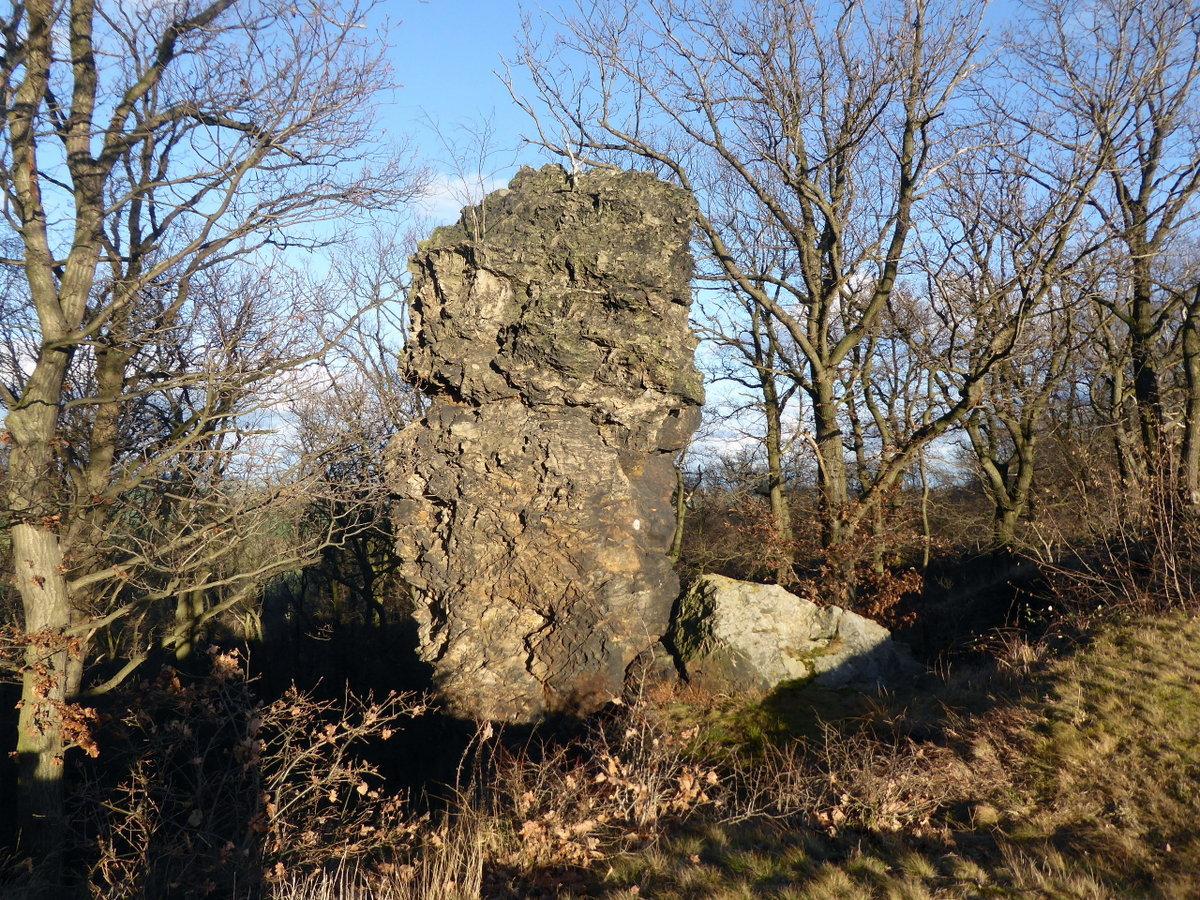 Das ist der Peilstein, 50 m östlich davon, heute wird er Mohrenkopf genannt