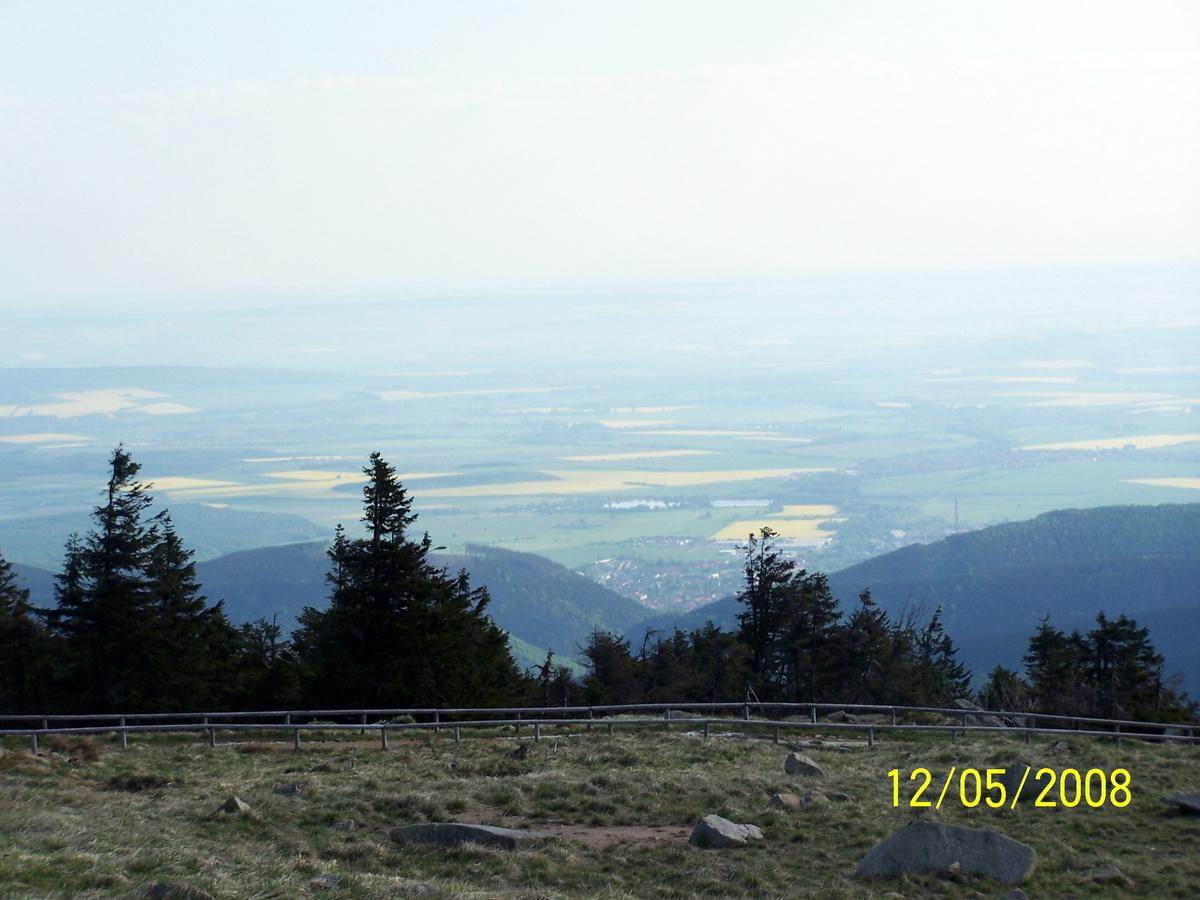 Blick vom Brocken in Richtung Ilsenburg