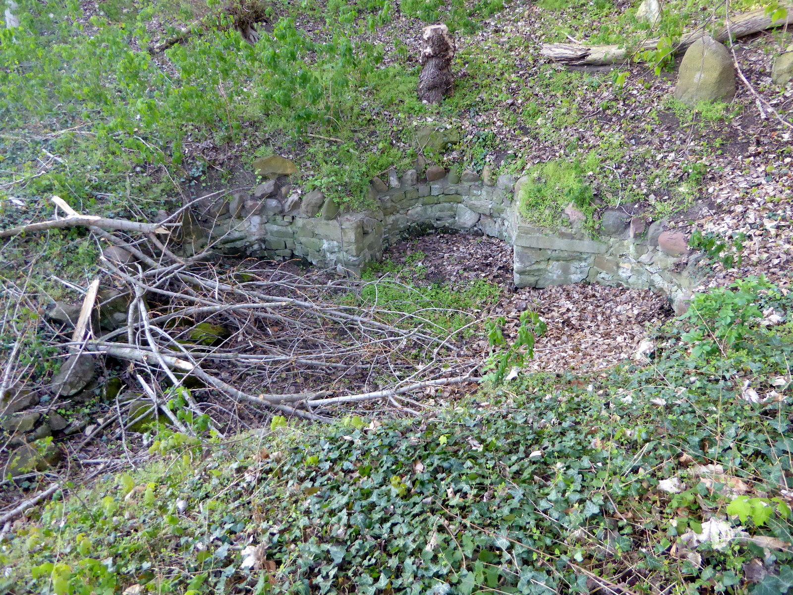 Das alte Quellbecken, einst für 4 Wasserstrudel