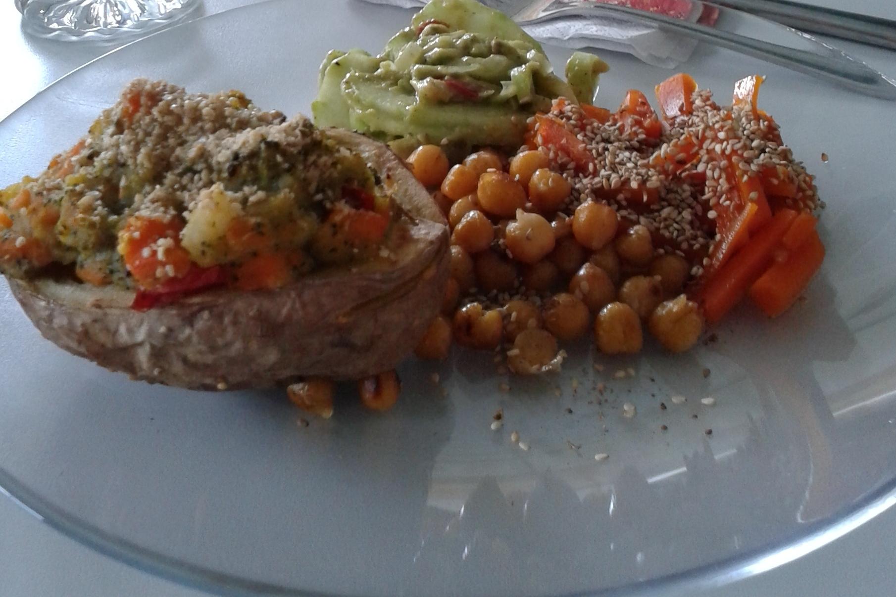 Fit Fasten im Taunus - Gefüllte Backkartoffeln mit Kichererbsen und Karamell-Möhren mit Gomasio