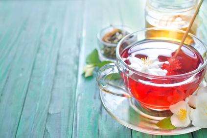 Kräutertee und Honig für Ihre Fastenzeit