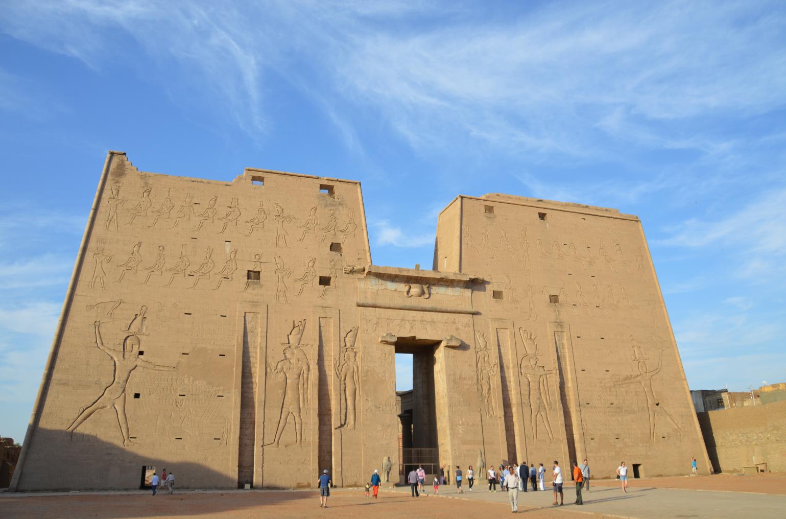 Imposant: Der Horus Tempel in Esna